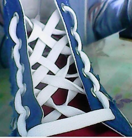 【安七】七种漂亮的系鞋带的方法【从最初把鞋带穿进孔开始哦