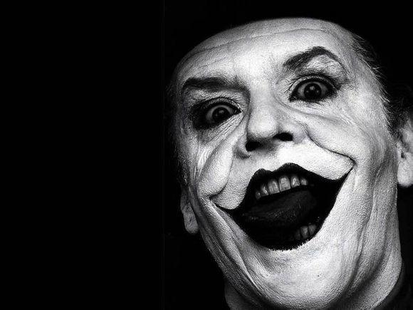 了所有人的小丑, 总是在悲伤的脸上画上唯美的笑脸